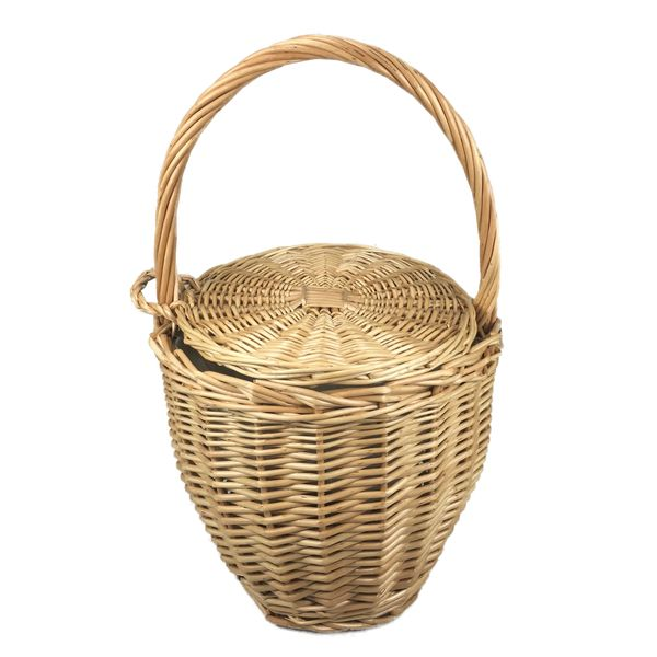 Natural wicker bucker beach bag